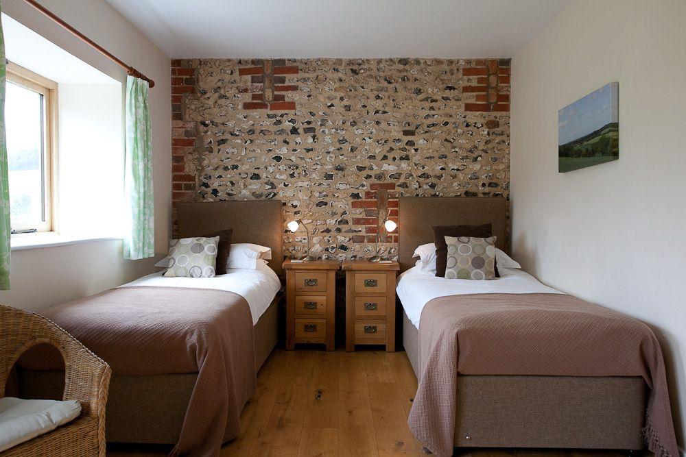 20-Cartshed - Bedroom 2 (1) 2
