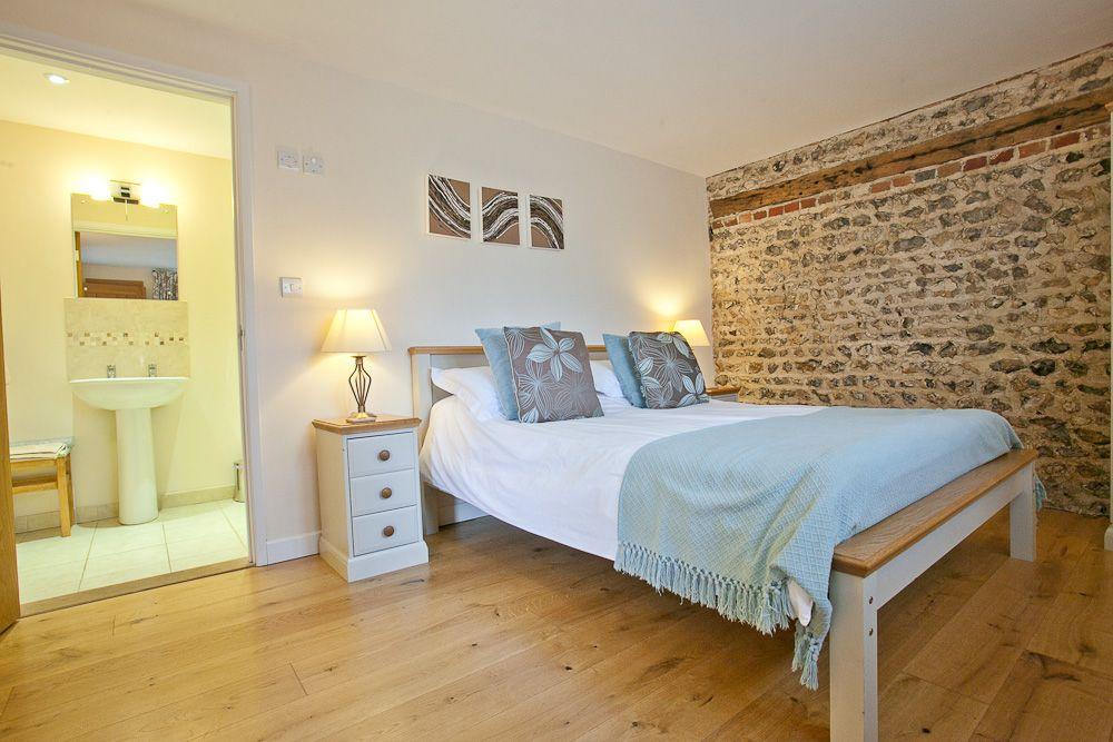 Stables - Bedroom 1 (1)